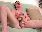In more of a laying down attitude he let me know that he was getting  to cumming and with that I moved in male solo masturbatio